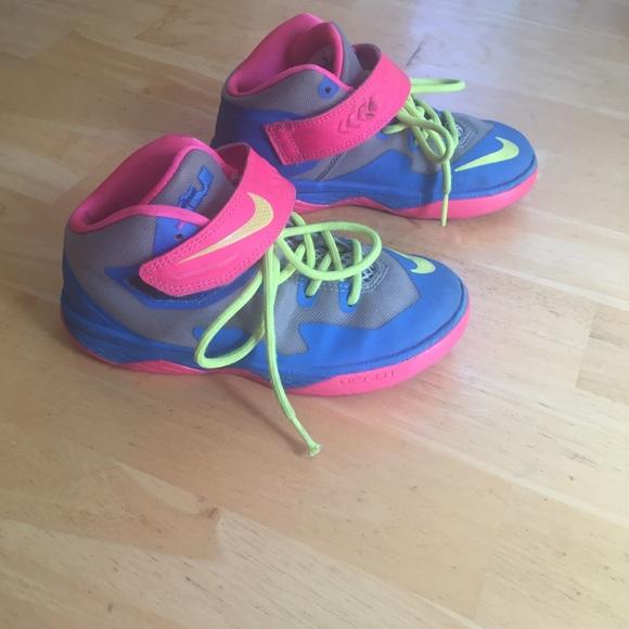 super popular 4a898 f724e Toddler Nike Lebron High Tops. M 5bf642b6951996c13ab0b202